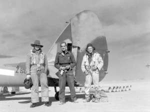 Wing Commander Buchanan DSO DFC (centre)